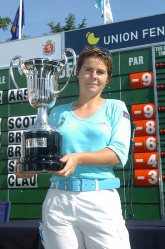 Ganadora 2004 Stephanie Arricau g